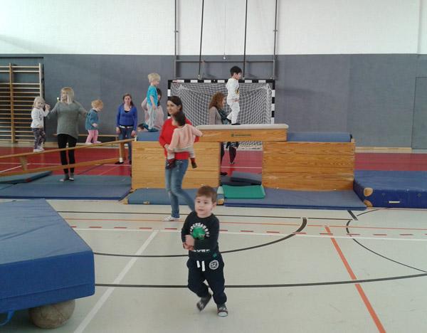 Eltern-Kind-Turnen1